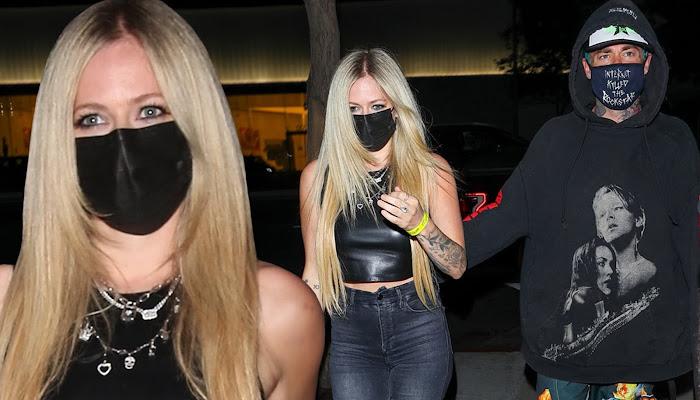 Avril Lavigne camina con su novio, Mod Sun, por Los Ángeles