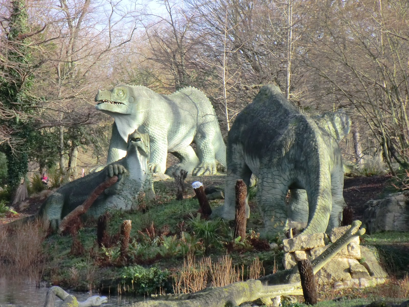 CIMG9767 Iguanodon & Megalosaurus, Crystal Palace Park