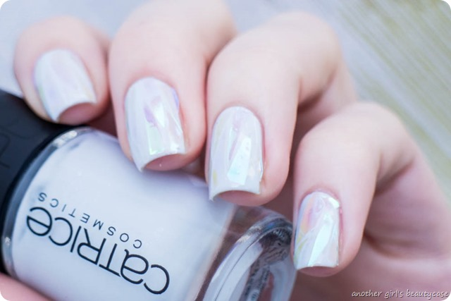 Shattered Glass Ice Nails Nailart Winter Trend-4