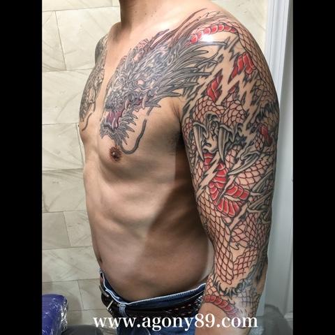 刺青 和彫り 龍、刺青、双竜、刺青画像、双龍、刺青デザイン、和彫り、七分袖、暈し、抜き彫り、龍の刺青画像。背景、稲妻、雲、炎、煙、タトゥー デザイン、竜、タトゥー、リュウ、タトゥー画像、りゅう。ほりはく日記、初代 彫迫 刺青 ほりはく。ryu.dragon.tattoo. irezumi.design.gazou.