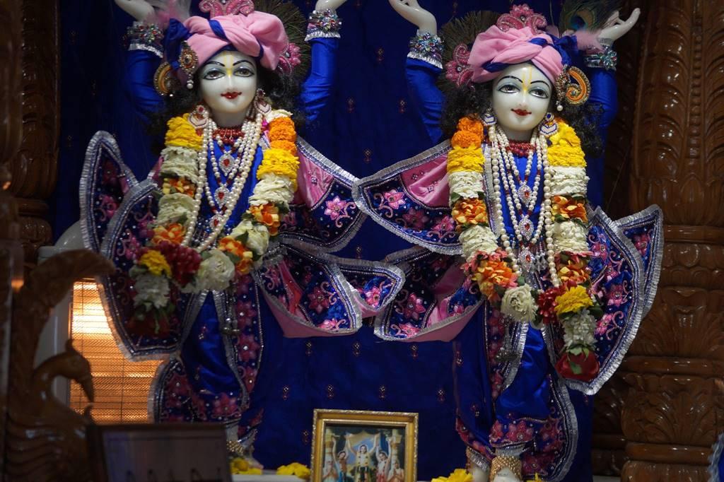 ISKCON Noida Deity Darshan 03 Feb 2016 (2)