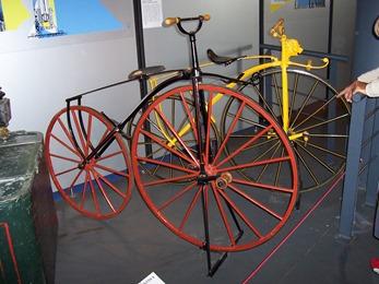 2004.05.21-017 anciens vélos