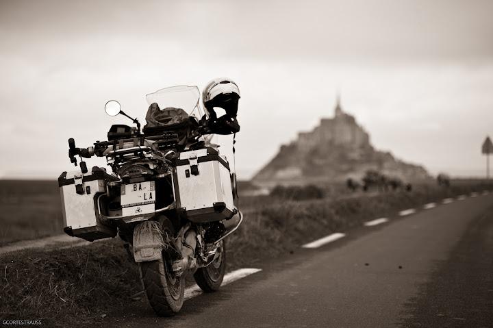 Vos plus belles photos de motos - Page 5 Gsa_mont_st_michel_15_11_10_22_1