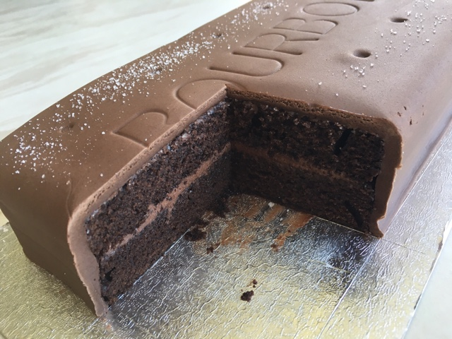 Chocolate Bourbon Biscuit Cake