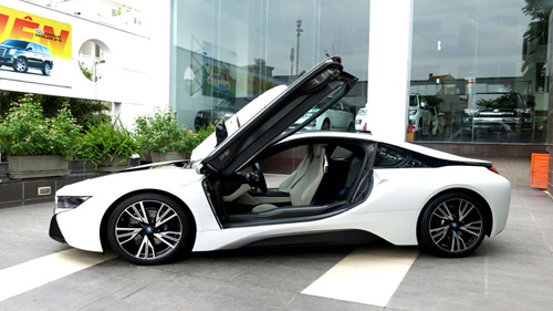 BMW i8 Trắng