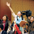 Trung Quốc: Quốc hội ghen tức với thời trang của phụ nữ