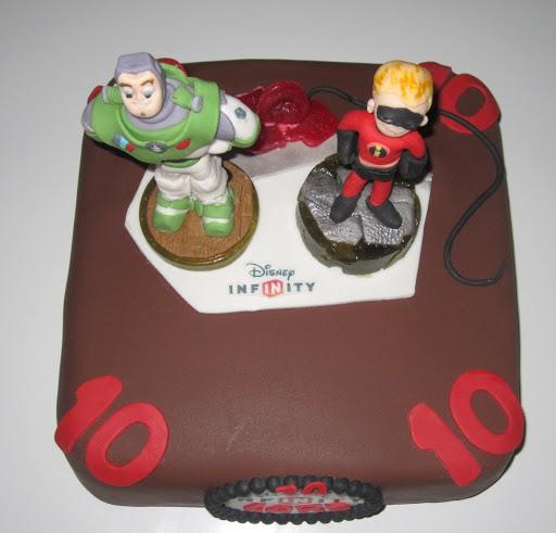 754- Disney Infinity taart bovenaf.JPG