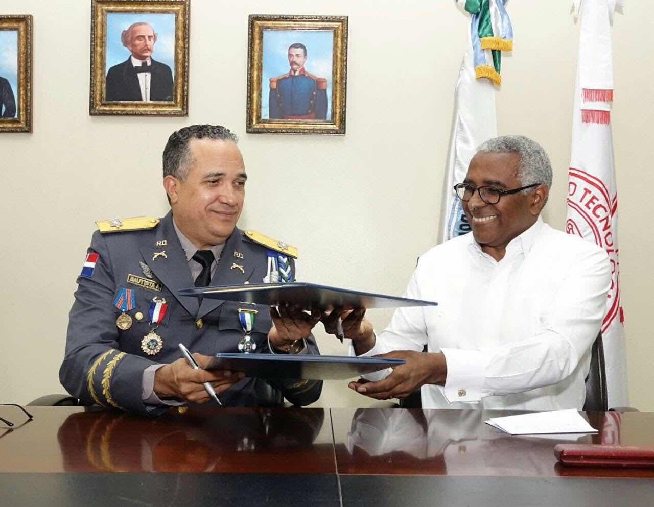 Hospital de la Policía Nacional contará con respaldo de INTEC para su desarrollo y fortalecimiento