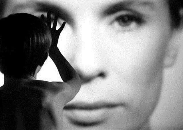 Resenha #3 - Quando Duas Mulheres Pecam (Persona, 1966)