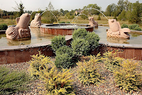 Animal, Exterior, Fountains