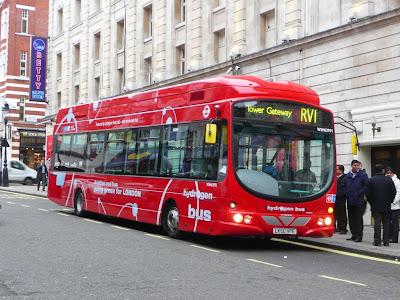 Londyn. Autobus zasilany ogniwami paliwowymi (wodorem)