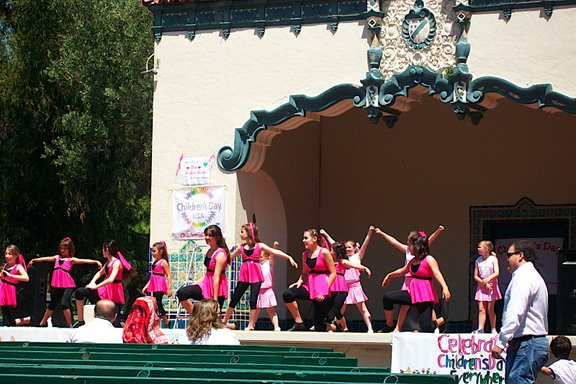 2009 Childrens Day Parade - 100_3449.JPG