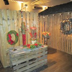 2011 Bezoek kerststukken en stallen