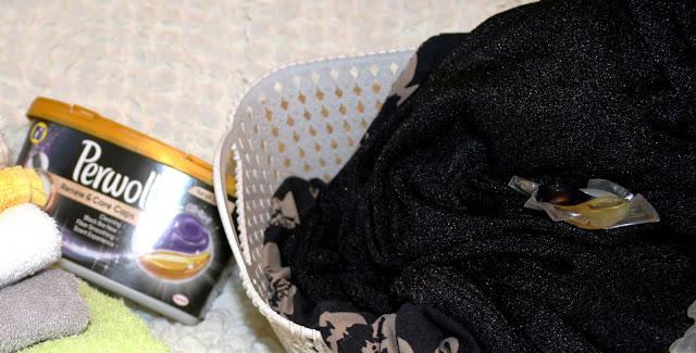 Perwoll Renew & Care Caps pentru rufe colorate și negre. Recenzie de produs