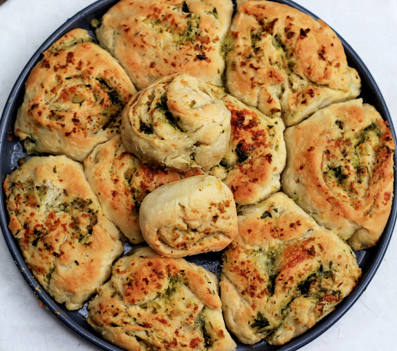 Garlic Rolls Recipe | Overnight, No-Knead Garlic Chilli Rolls | Easy Garlic Swirl Rolls | Garlic Chili Rolls recipe with step by step pictures | Foodomania.com