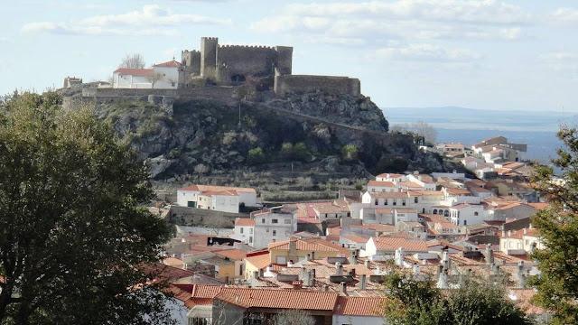 castillo montanchez.jpg