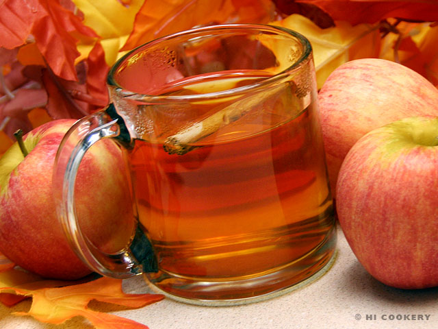September 30: National Hot Mulled Cider Day
