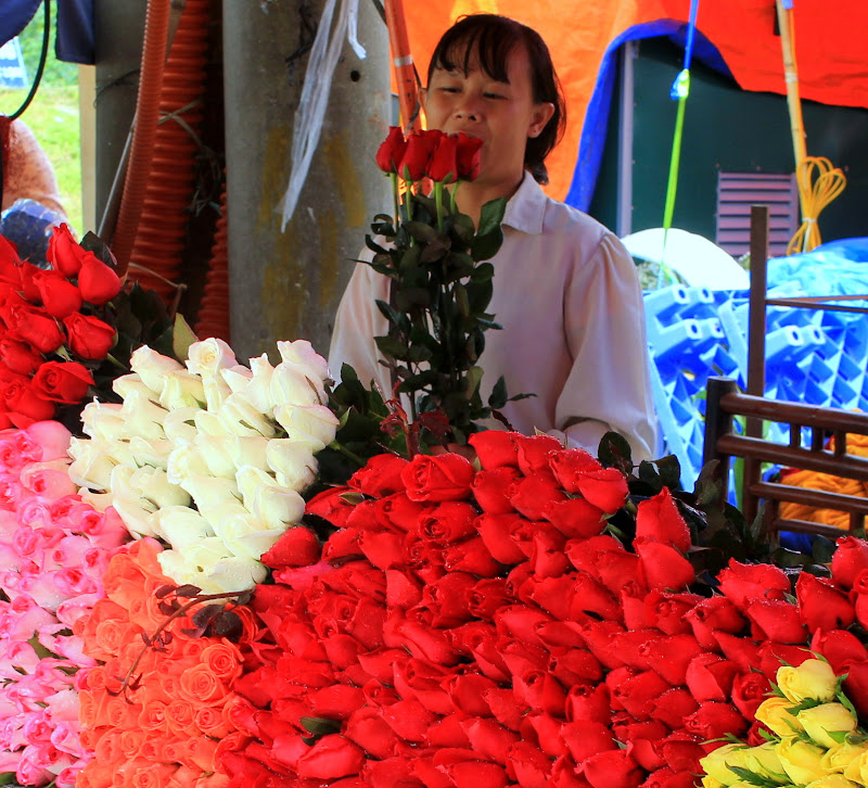 The local market showcases the best of flowers of Da Lat
