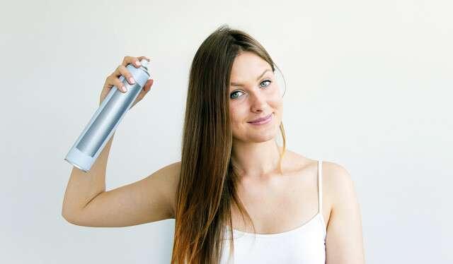 كيف تتجنبين أن يصبح الشعر دهنيًا