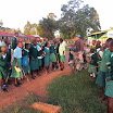 2011-04-05 06-56 opuszczamy nocleg w kenijskiej szkole.JPG