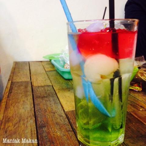 maniak-makan-es-lychee-gulo-jowo-solo