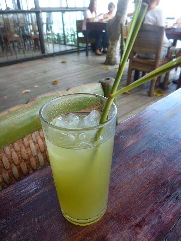Panglao island, Bohol Bee Farm . Jus de citronnelle (lemon grass) Délicieusement rafraichissant.