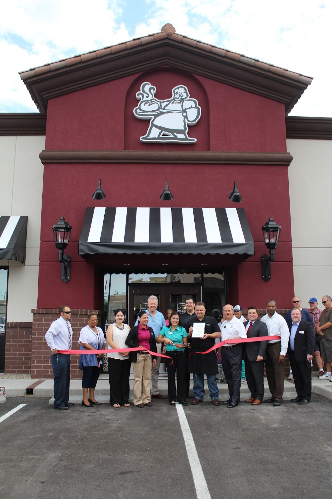 Congratulations to Corner Bakery Cafe located at 203 S. Wilmot Road, on their Grand Opening!