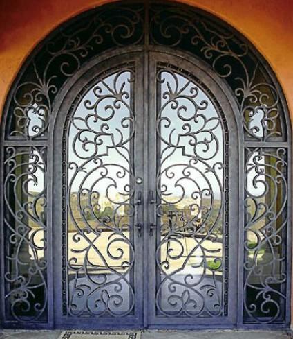 железные двери ворот