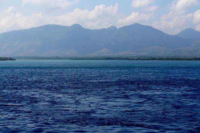 Las vistas desde la isla de Bali desde el ferry