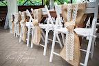 Оформление стульев мешковиной