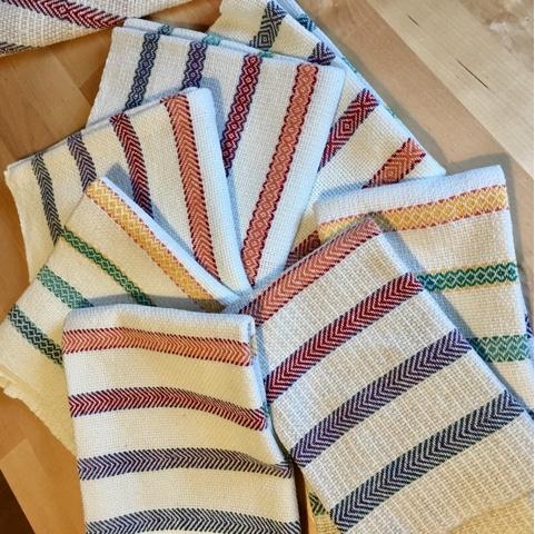 isa s kunsthandwerkliches design zum st bern regenbogen geschirrhandt cher basket weave. Black Bedroom Furniture Sets. Home Design Ideas