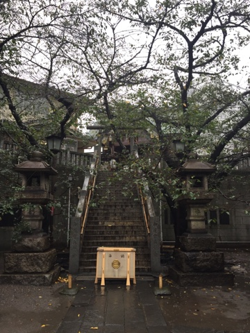 Motomishima is a little neighbourhood shrine near Uguisudani station in Tokyo