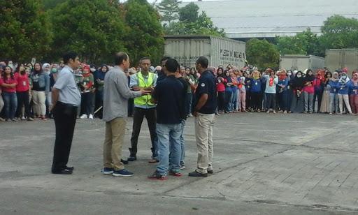Unjuk Rasa Ribuan Karyawan Garmen di Cidahu Sukabumi