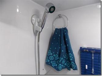 mini-camper-super-luxo-banheiro-3
