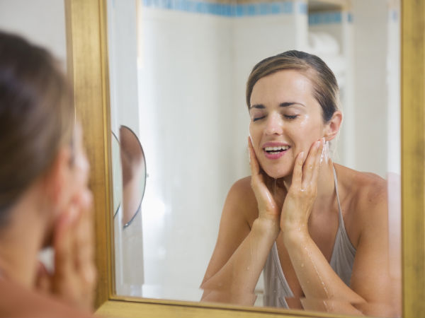THE BEST WAYS TO TAKE CARE YOUR SKIN BEFORE GOING TO SLEEP EVERY NIGHT 1