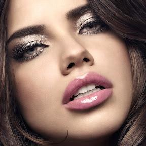 PLUS-Close-up-Adriana-Lima-Hd-2048x2048.jpg