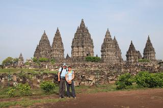 Fascinanten tempeljski kompleks Prambanan