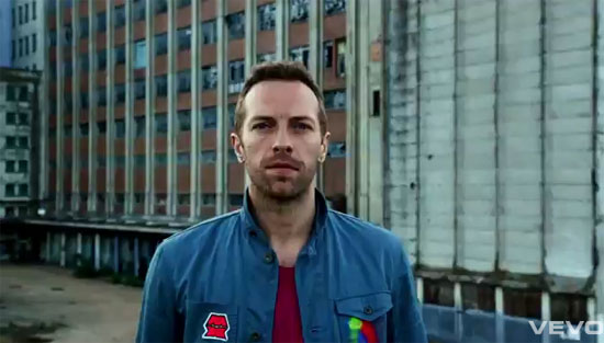 [vídeo] Grande estréia da semana: Every Teardrop Is A Waterfall – Coldplay