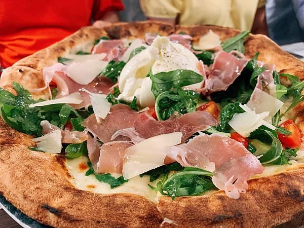 a Mano pizzeria & Italian kitchen 義舍廚房
