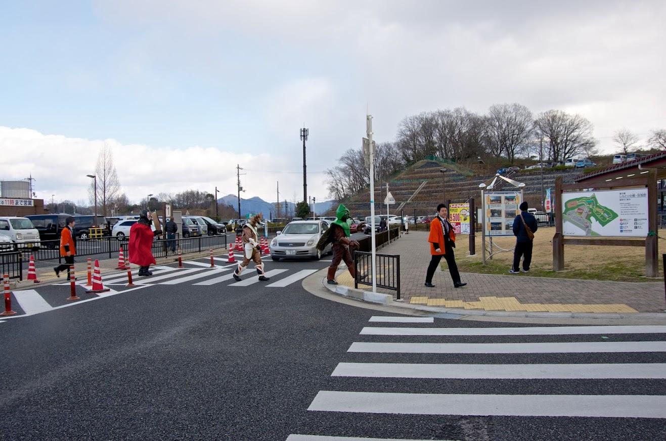 サンプラザ羽曳が丘店の向かいにある道の駅・道の駅「しらとりの郷・羽曳野」<br>  でノースドラゴンショーをPR