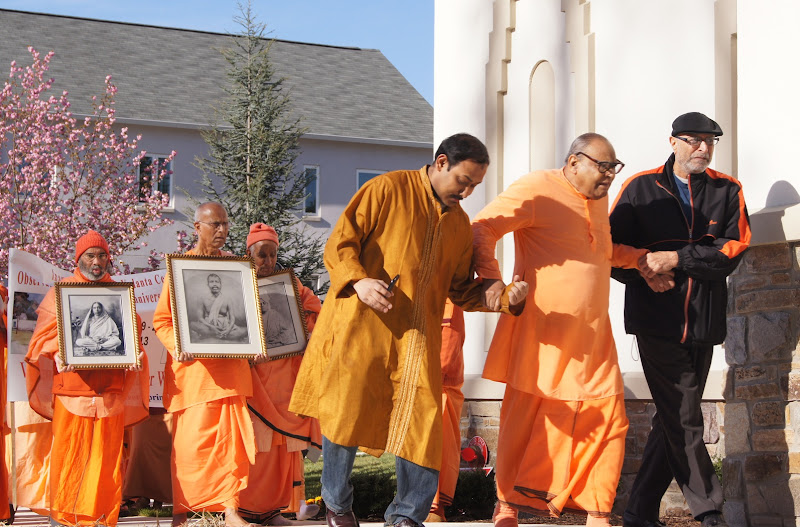 Day 2 Swami Tathagatanandaji joins the procession