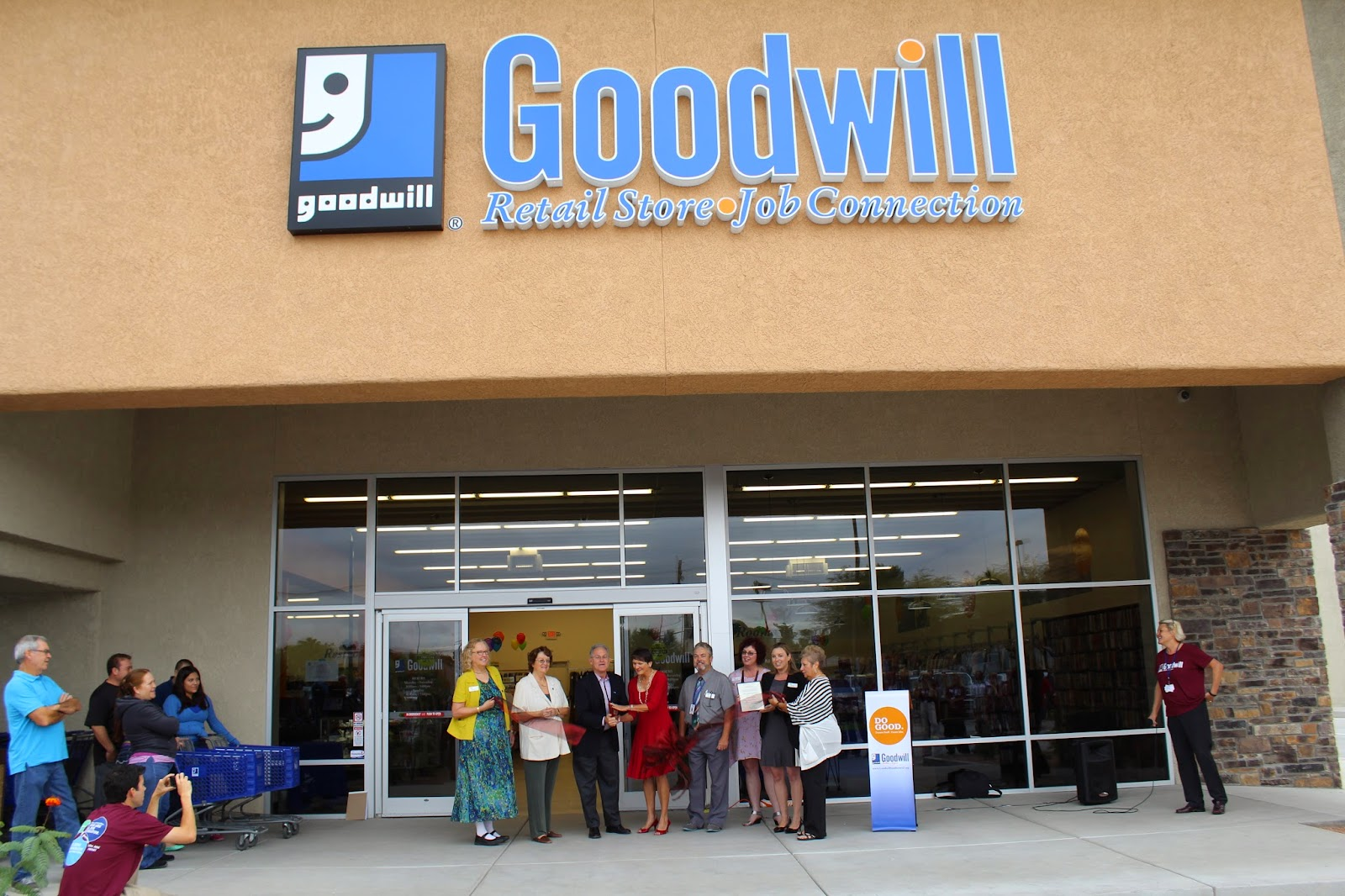 Goodwill's new store, Donation Center, and Job Connection Center Grand Opening on September 18th was highly anticipated by the local community.  It's located on the NE corner of Kolb & 22nd Street.  Check it out!