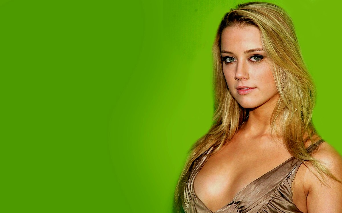 Amber Heard Wallpaper 4