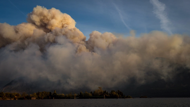 Smoke rises from the Eagle Creek fire, 14 September 2017. This photo was taken from the Wind River bridge, near Carson, Oregon. Photo: By Raymond Perkins