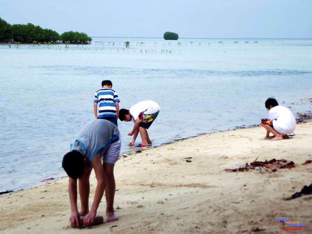 family trip pulau pari 140716 Fuji 018