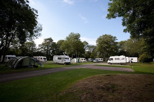 Chertsey Camping and Caravanning Club Site at Chertsey Camping and Caravanning Club Site