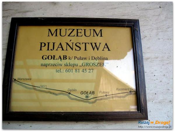 tabliczka informacyjna muzeum pijaństwa