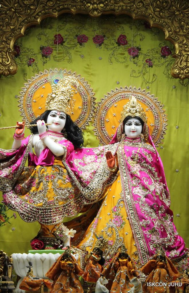ISKCON Juhu Mangal Deity Darshan on 3rd Oct 2016 (19)