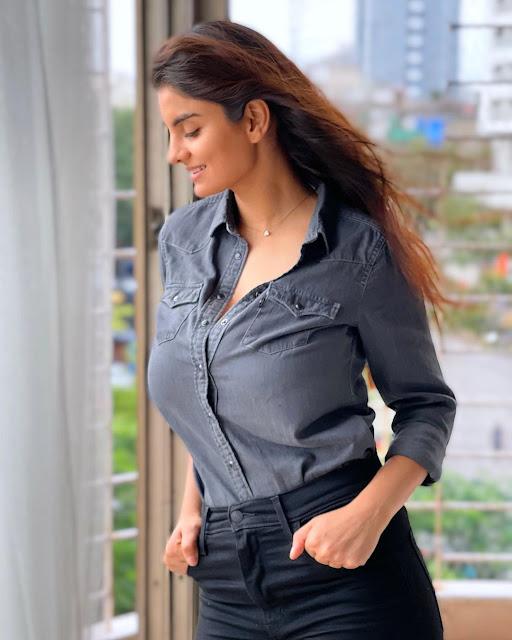 Actress Anveshi Jain