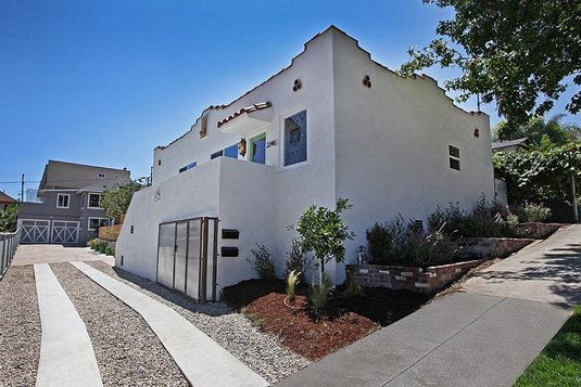 13443 IMG 7309 Sponsored Post: Two New Listings by bettershelter Open This Weekend in Atwater & Silver Lake!  photo